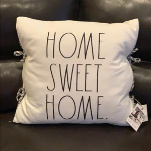 ✨NEW! Rae Dunn 'Home Sweet Home' Tie Pillow
